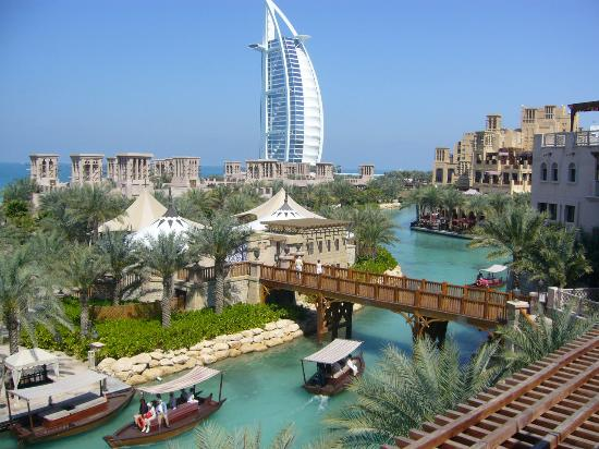 Famous places of dubai uae travel and tourism for Dubai places to stay