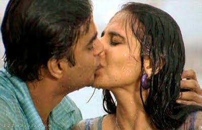 Hot South Indian Actress Anushka Shetty Kiss Scene