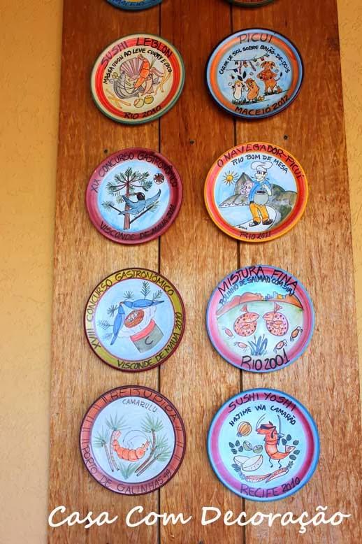 Projeto decorativo- exibir pratos na parede
