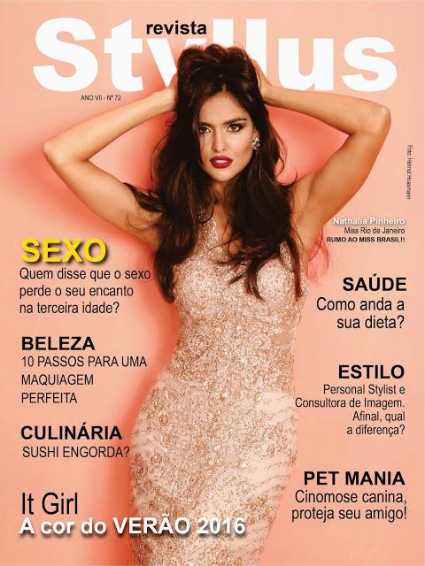 Miss Rio de Janeiro 2015 Nathalia Pinheiro lança revista no Rio ao lado do namorado