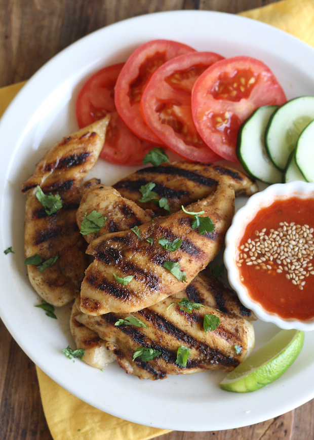 Thai Grilled Chicken with Sweet Chili Dipping Sauce recipe by SeasonWithSpice.com