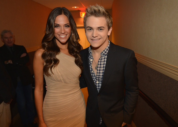 who is hunter hayes dating 2012 The favorite country music singer of many people, hunter hayes - is a total package he sings, write songs, plays different instruments, and nevertheless, he is a well build up handsome young man so, making.