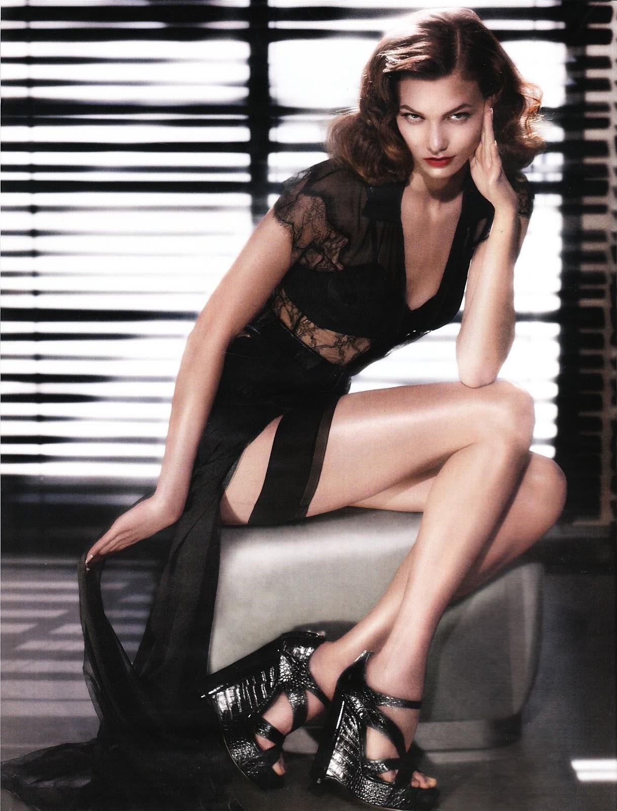 http://3.bp.blogspot.com/-_2AbaveuUmk/ULeKzCRbDeI/AAAAAAAAAa8/tihh2huNzuA/s1600/Karlie-Kloss-Feet-406096.jpg