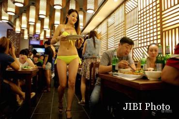 Pelayan Berbikini di Tiongkok