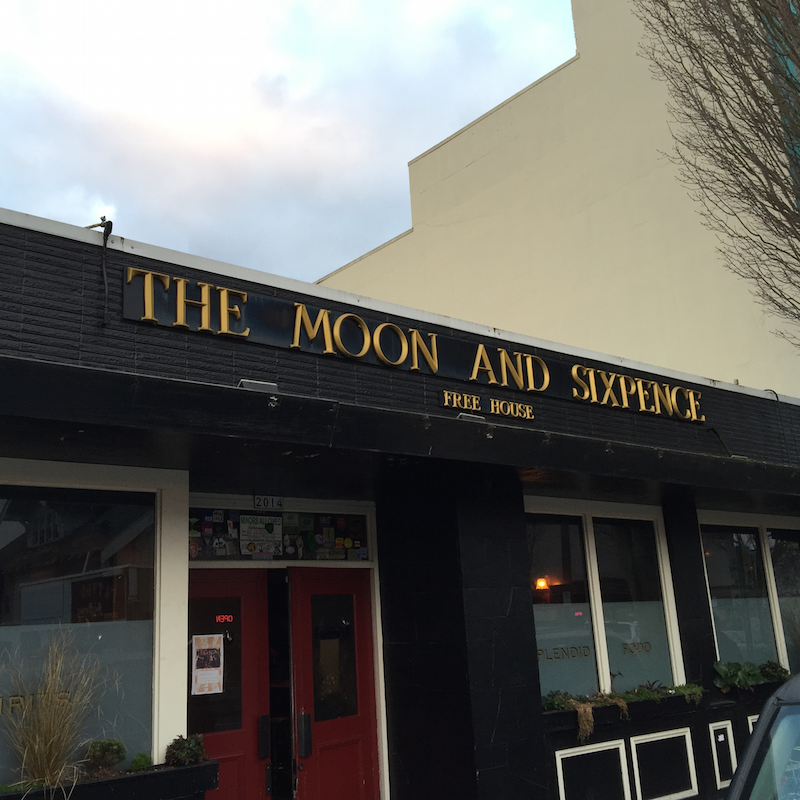 The Moon and Sixpence British Pub in Portland's Hollywood district