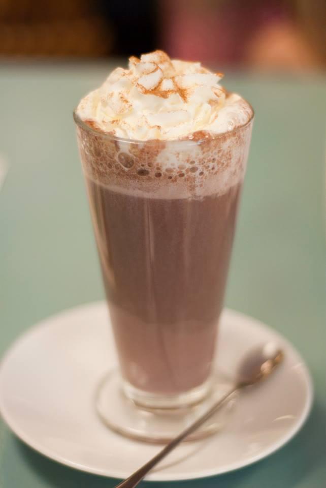 sea, lifestyle, blog, blogger, uk, lowestoft, cafe, afternoon, tea, chocolate, cream,
