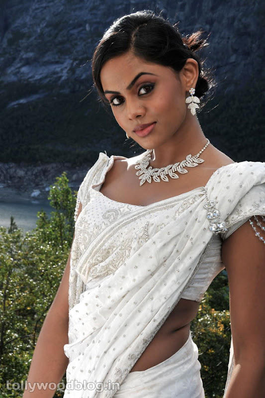 Karthika Photos in Rangam Telugu Movie Photoshoot images