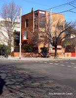 Casa cúbica urbana contemporánea en Buenos Aires