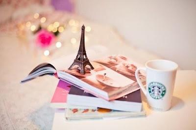 caneca,livros,paris,torre eiffel, starbucks