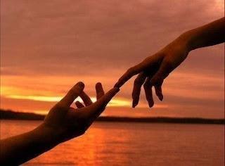 Ketika Cinta Hadir di Saat Aku Sendiri