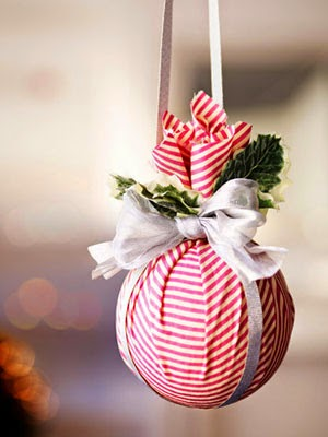 http://www.goodhousekeeping.com/holidays/christmas-ideas/christmas-decoration-ideas#slide-1