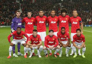 gambar detail jersey retro musim lalu di enkosa sport Jersey Manchester United home musim 2013/2014