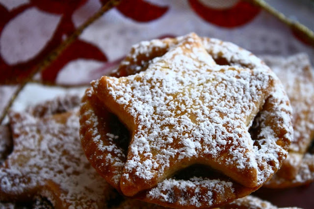mince pies© Annie Japaud 2013, Christmas baking, Christmas, bakery, homemade, artisan, photography, photo blog,