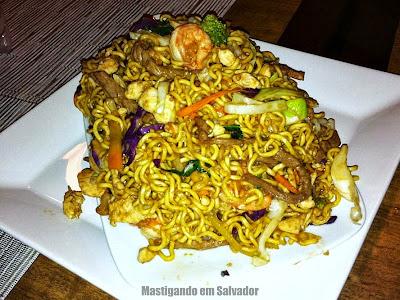 Restaurante Taisan: Yakissoba a Moda Taisan (meia porção)