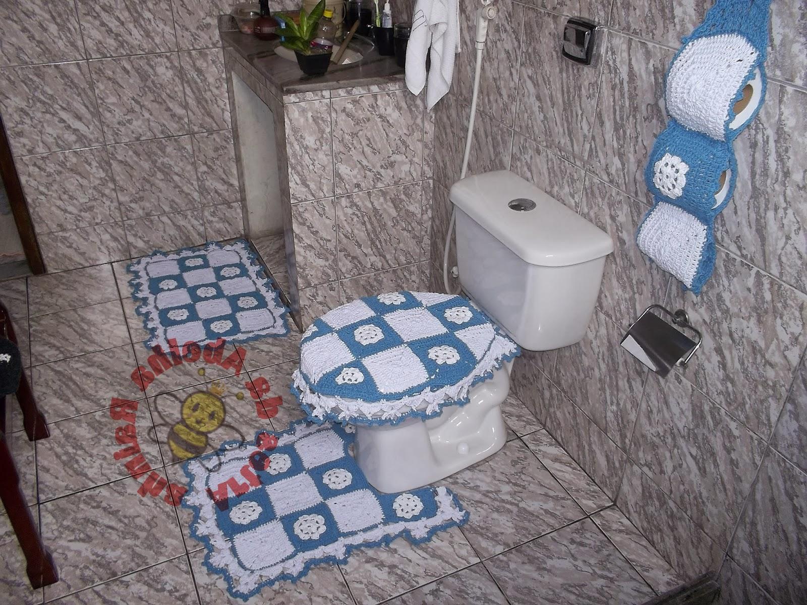 Rainha: Jogo de banheiro em crochê com gráfico (azul e branco #436488 1600x1200 Banheiro Branco E Azul