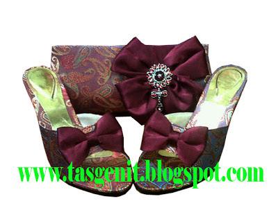 tas pesta clutch bag kain songket merah marun set matching sandal pesta