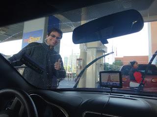 abastecendo carro em las vegas