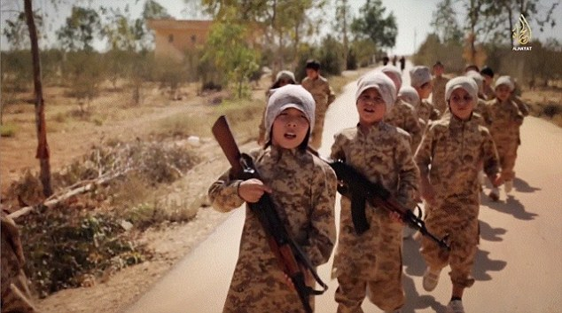 armed childs from isis