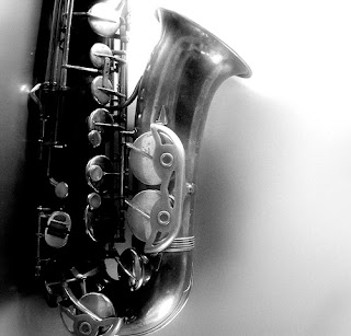 Picture of Saxophone in black and white