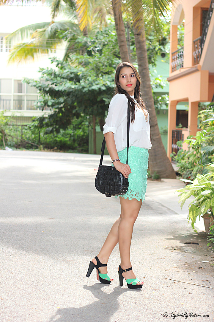 How to wear lace skirt