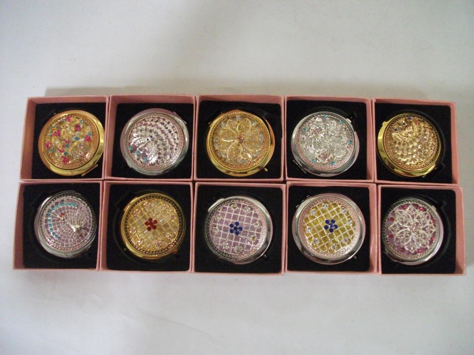 Tatakan Perhiasan Berlian