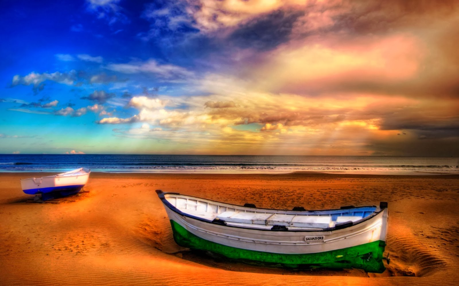 Barcos en playa perfecta