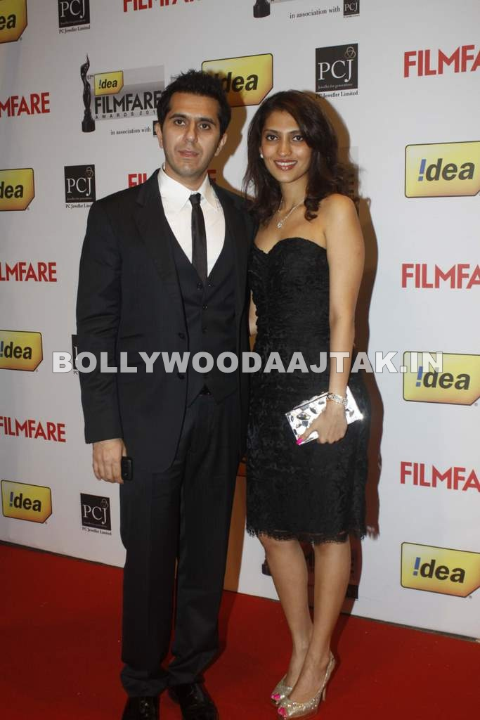 Filmfare Awards Red Carpet couple Pic1 - 57th Idea Filmfare Awards 2011 Red Carpet couple Pics