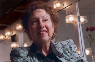 Jean Stapleton dies