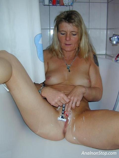 FotosNua.Com fotos de mulheres raspando a buceta