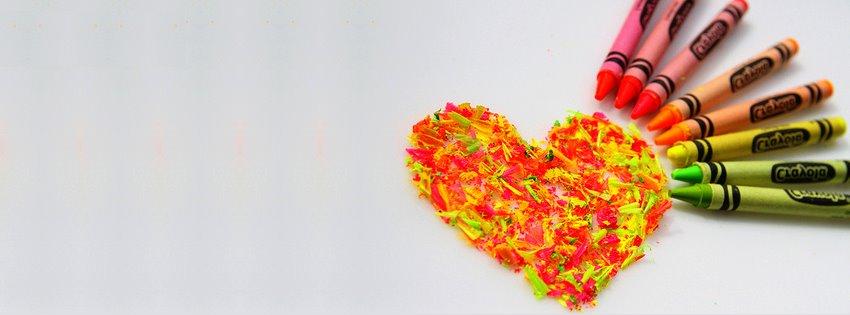 Ảnh bìa trái tim được sơn đủ màu sắc