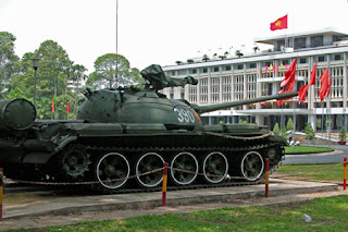 Reiunification Palace-tank