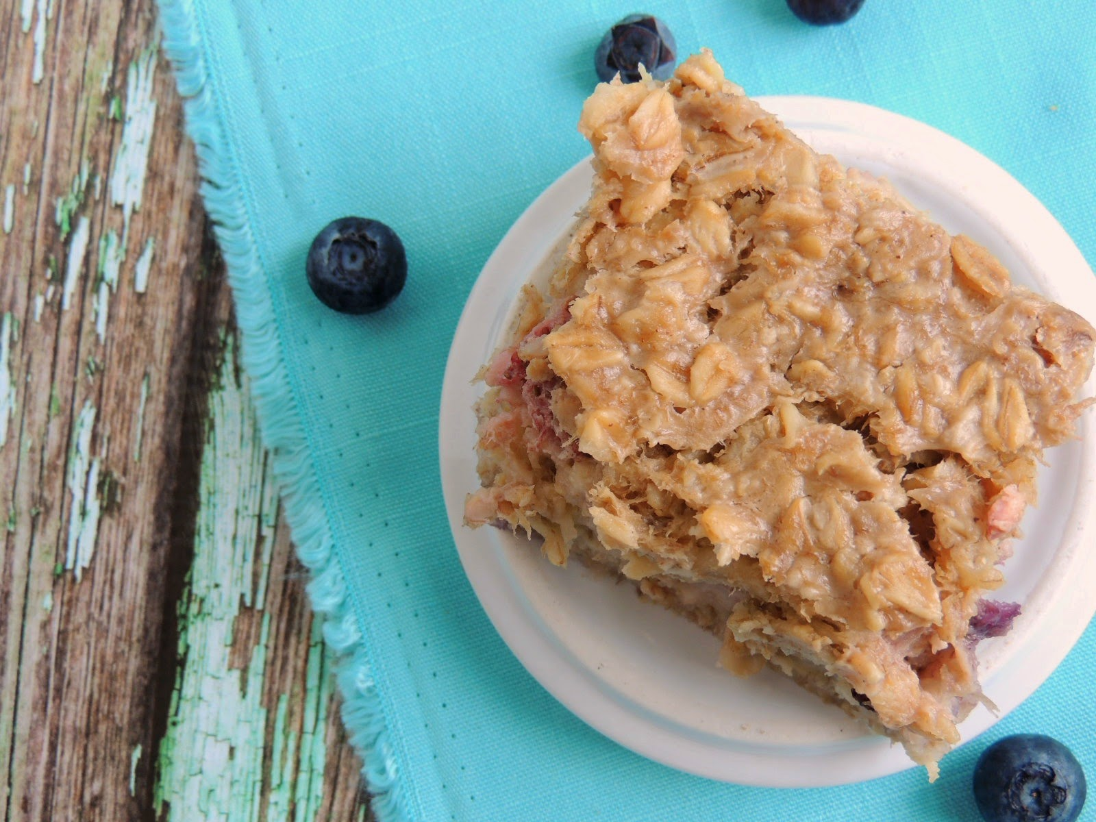 Double Berry Banana Bread Baked Oatmeal via thefrugalfoodiemama.com #eggfree