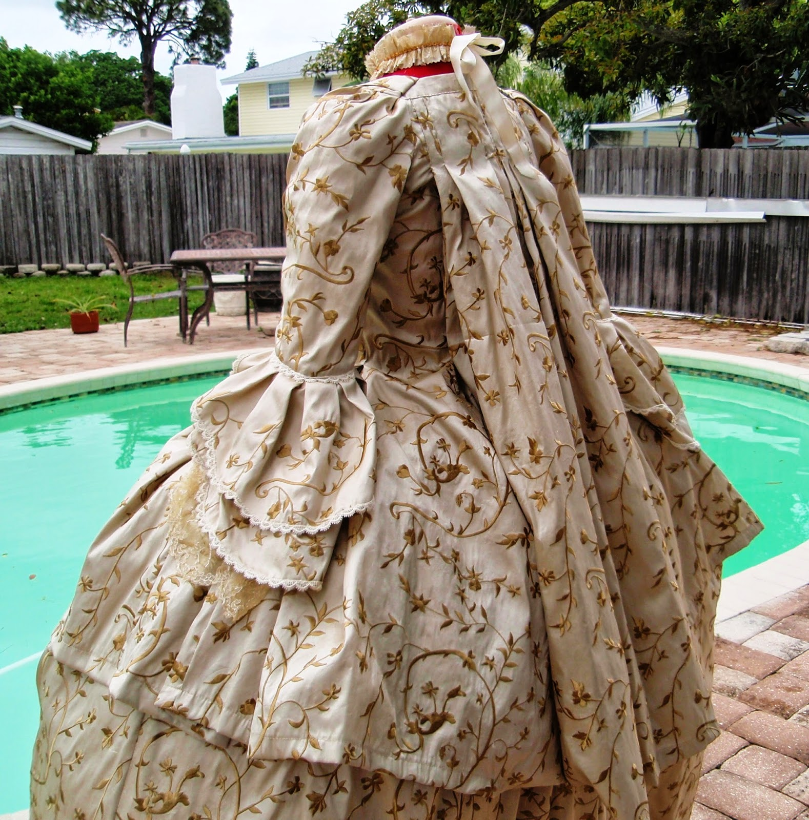 Robe A La Francaise: The Antique Sewist: 1760s Robe A La Francaise