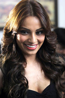 Bipasha Basu Hot boobs Pics