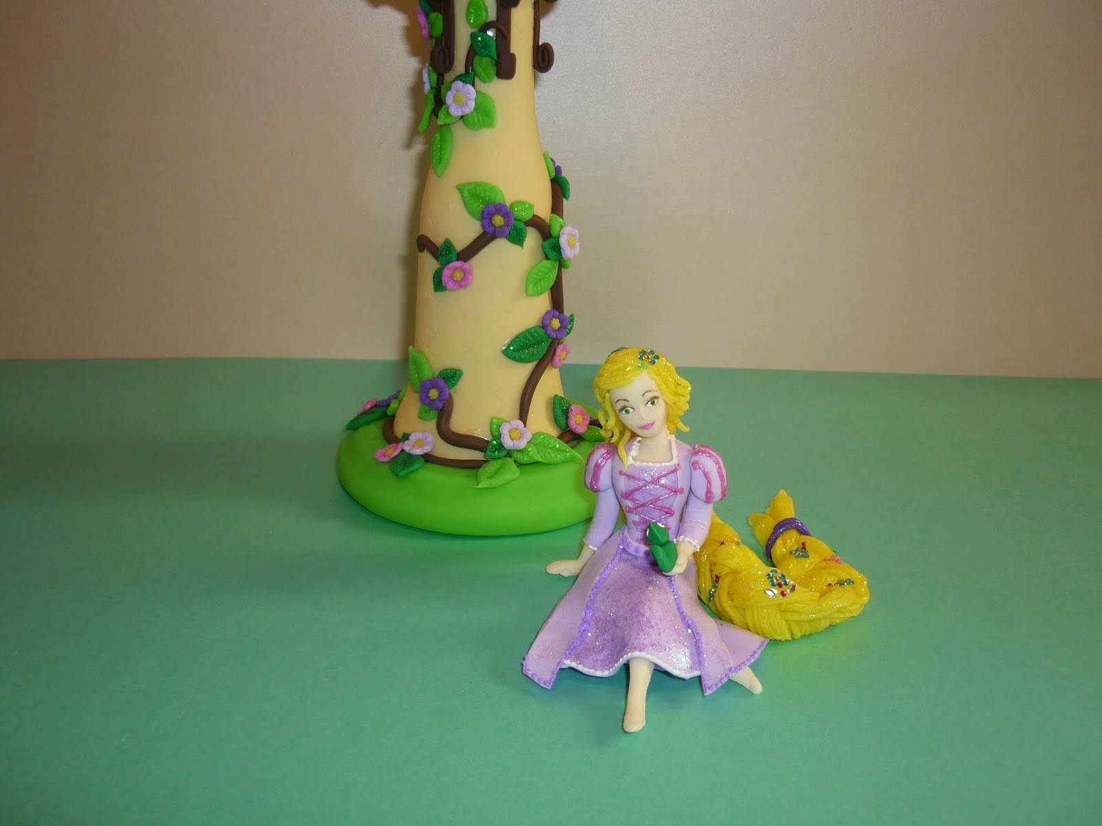 Minimandy. Adorno para Tortas. Rapunzel. Torre. Enredados. Tangled.
