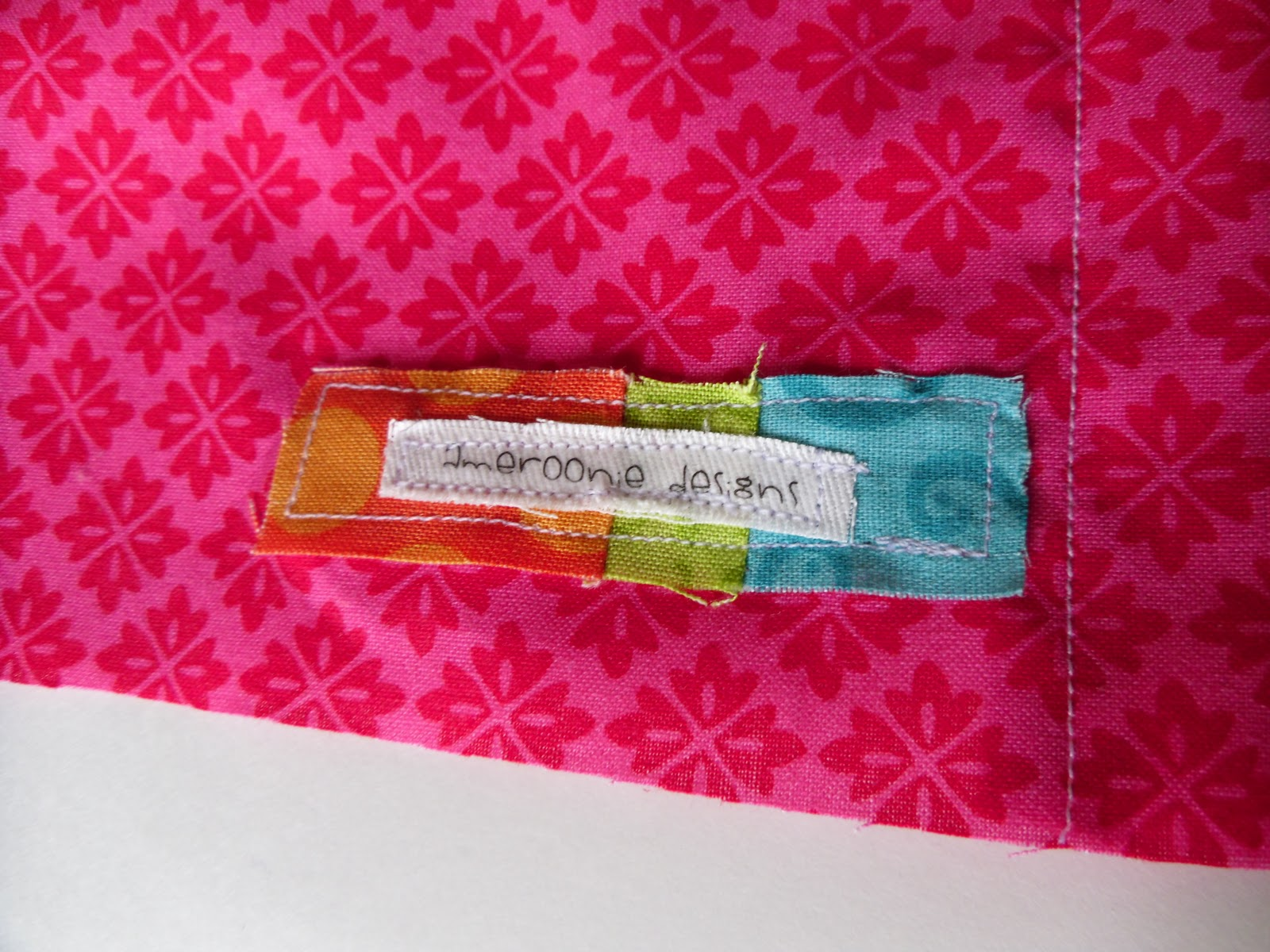 Ameroonie Designs: How to make an envelope closure pillow back
