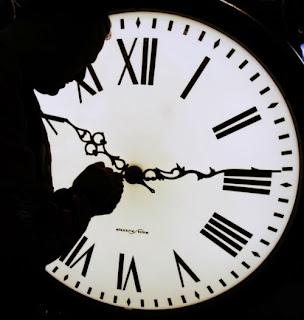 Carpem Diem [Soneto Acróstico] Reloj-biologico