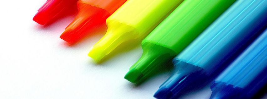 Sarı, kırmızı, yeşil, mavi kalemler facebook kapak fotoğrafı