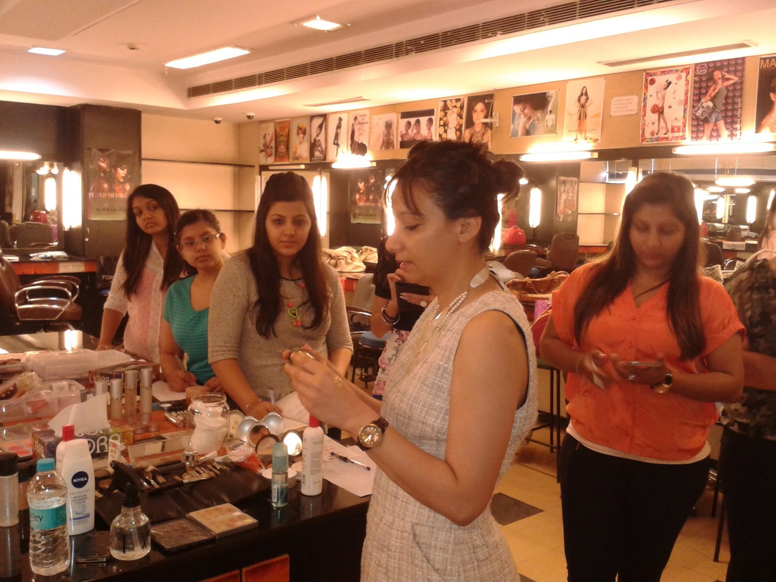 Rojgar Mantra - JobSeeker Registration Elite fashion academy delhi