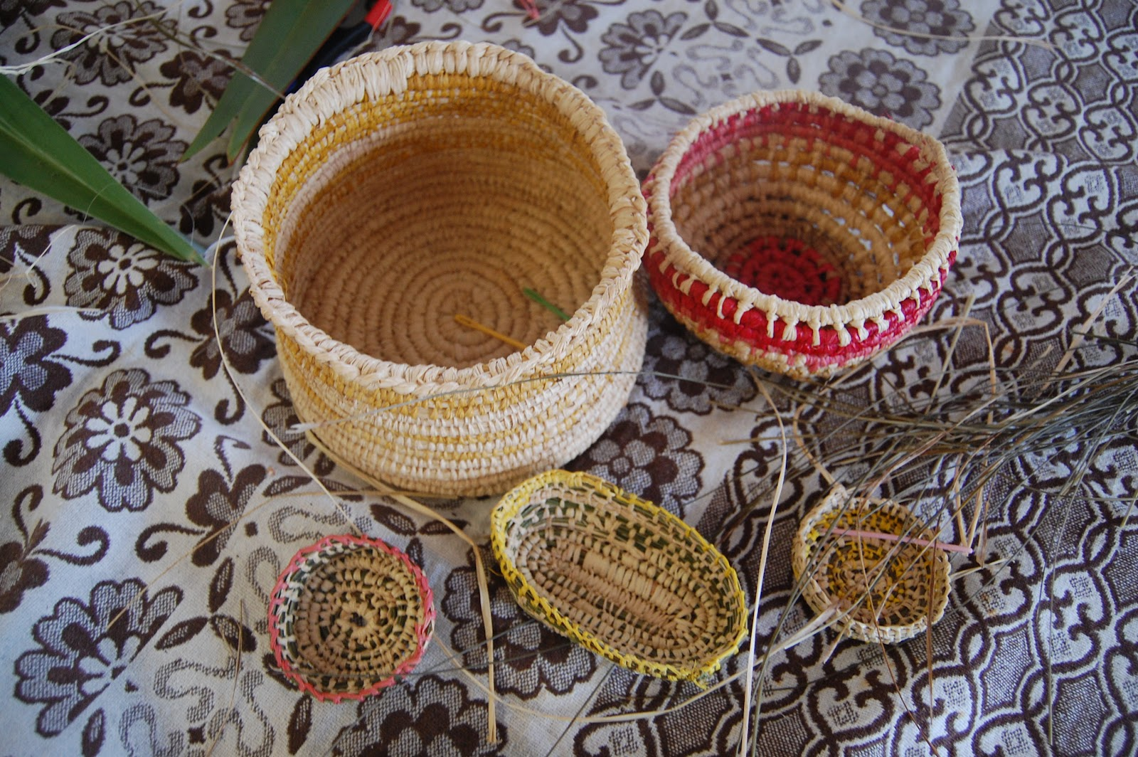 How To Make A Weave A Basket : Simple basket weaving tutorial with deb cole