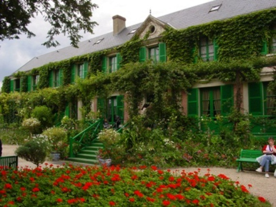 Most Beautiful Home Gardens In The World