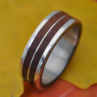 Lados Linea Moran handmade ecofriendly wood ring by Naturaleza Organic Jewelry