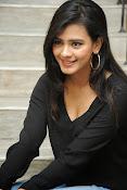 Hebah Patel glam pics in black top-thumbnail-19