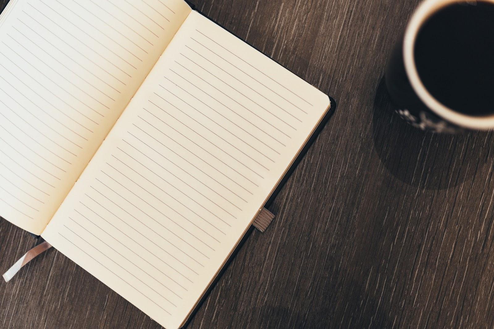Leeg notitieboek voor verhaalideeën