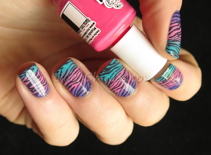 Catrice How I Matt Your Mother with Mundo de Uñas Orchid, Fiji and Fantasy and DRK XL Designer plate 1