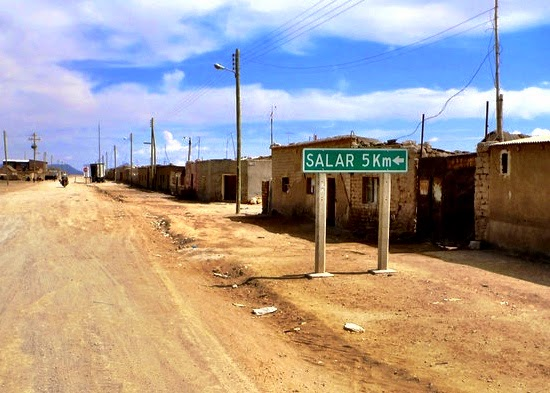 A sign pointing the way to the Salar - Uyuni town, Bolivia