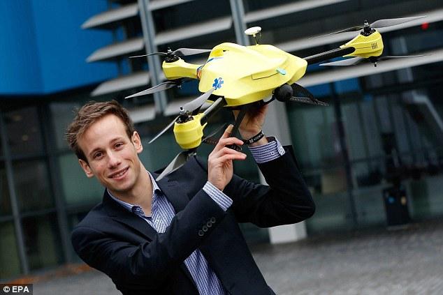 Alex Momont - Drone Ambulância