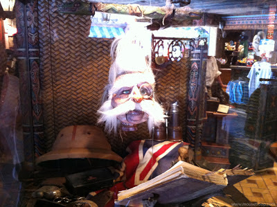 Shrunken Ned Disneyland Adventureland head talking doctor
