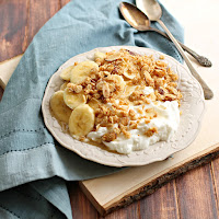 Yogurt with Banana and Honey Almond Crumble
