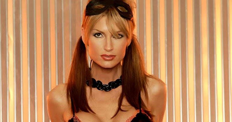 Stephanie Glasson Nude Photos 21